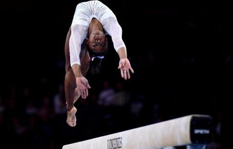 Gymnastique : le triple double de Simone à la poutre