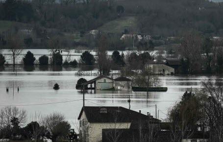 Fleuves et rivières débordent