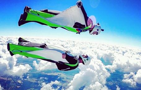Wingsuit: les héros des airs