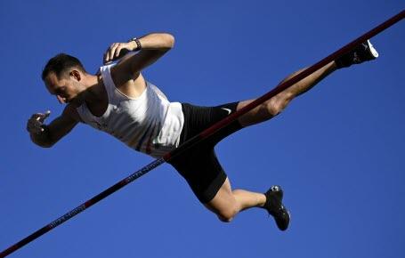 Athlétisme : et de 10 pour Renaud