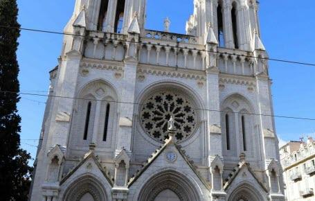 Une église attaquée à Nice