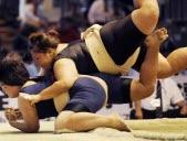 Les filles aussi font du sumo