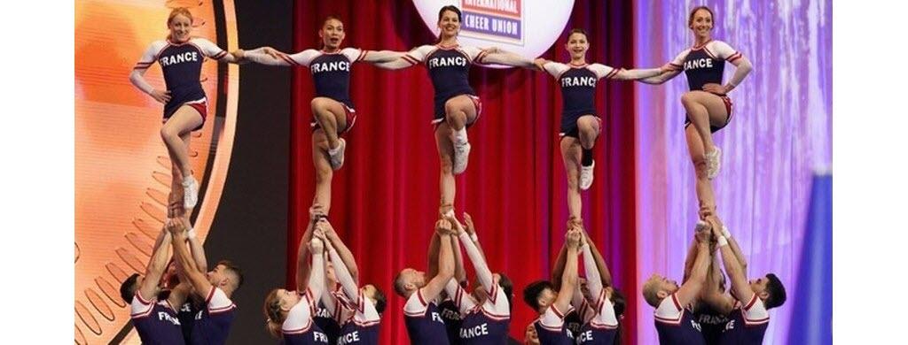 Cheerleaders, les rois des acrobaties