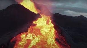 Un drone se crashe dans un volcan