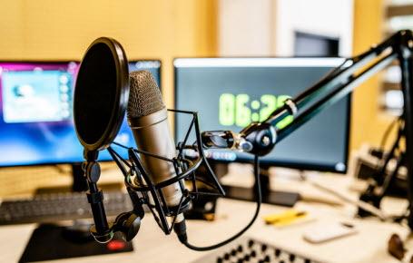 Médias : 100 ans de radio