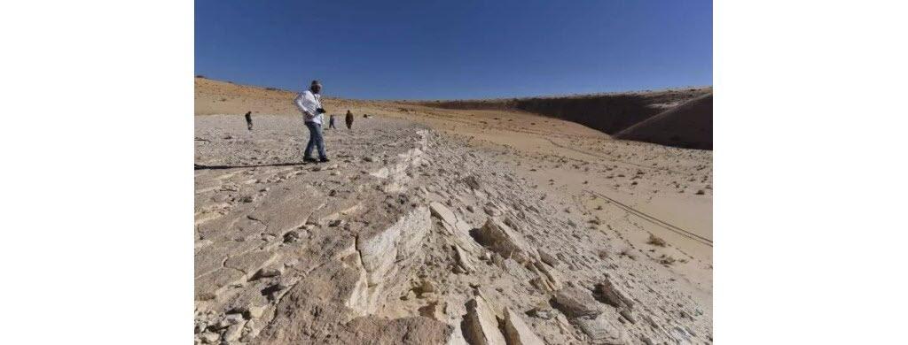 Une vue de l'ancien lac Alathar (Arabie Saoudite) où seraient restés brièvement des hommes, il y a 120 000 ans. (AFP/Badar Zahrani)