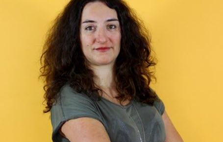 """Catherine Bertrand est l'auteur du livre """"Chroniques d'une survivante"""" aux éditions de la Martinière."""